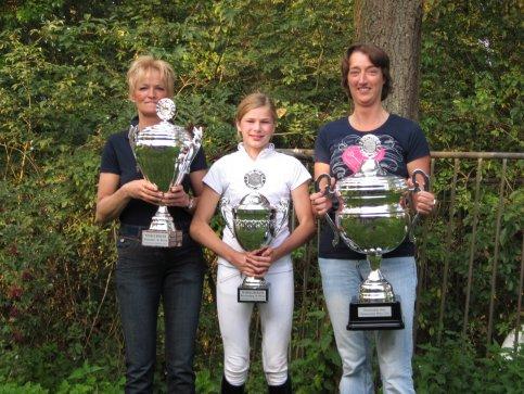 Franka, Marjo en Amber clubkampioenen 2011!